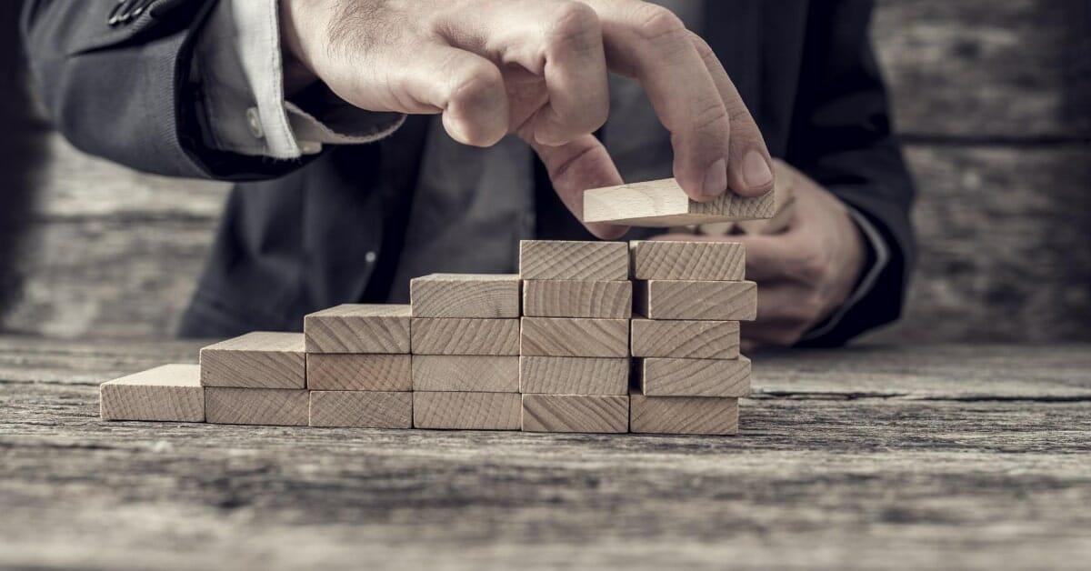 כיצד להיפטר מהחובות בשישה צעדים - עורך דין עדי רוזנשטיין